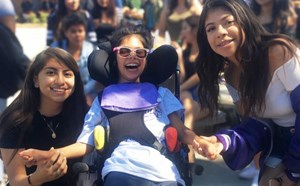 Mark Twain Scholars Share a Special Connection with Santiago Friends - article thumnail image